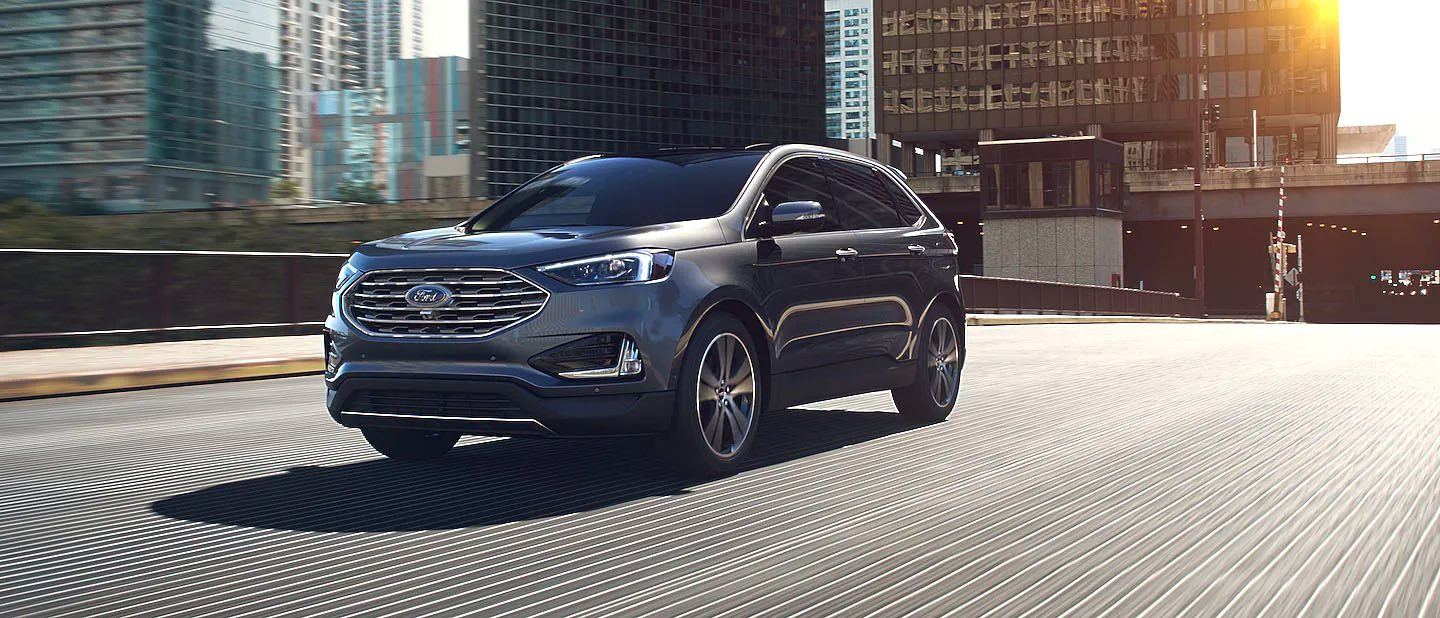 Carbonized Gray Ford Edge