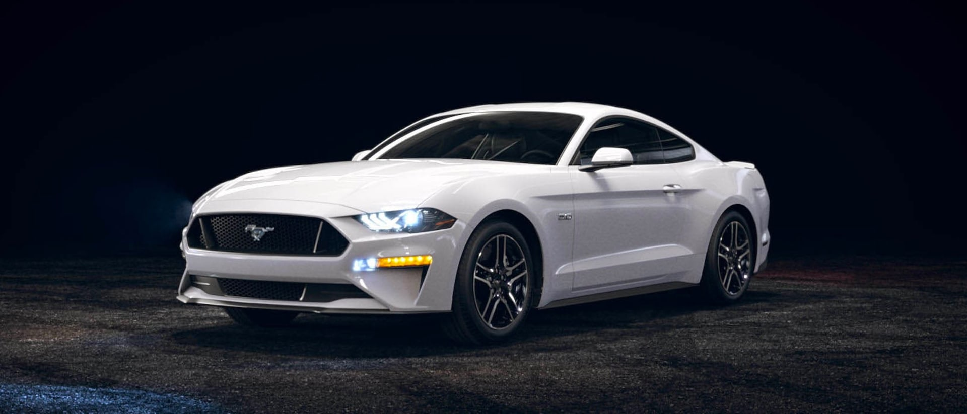 2021 Ford Mustang in Oxford White