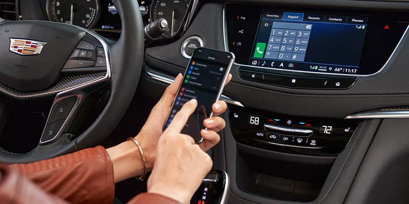 2021 Cadillac XT5 phone integration