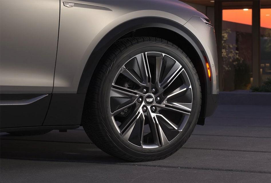 Cadillac Lyriq 22 inch wheel