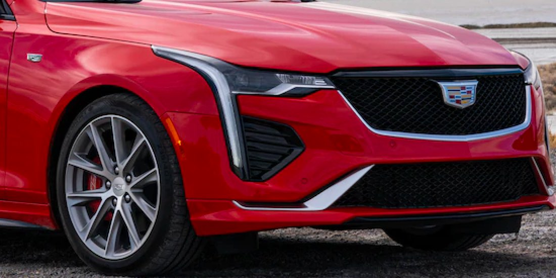 2021 Cadillac CT4 Angle View of Grille