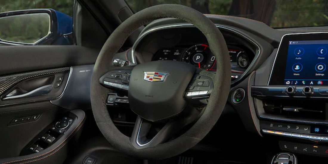 2021 Cadillac CT5 steering wheel