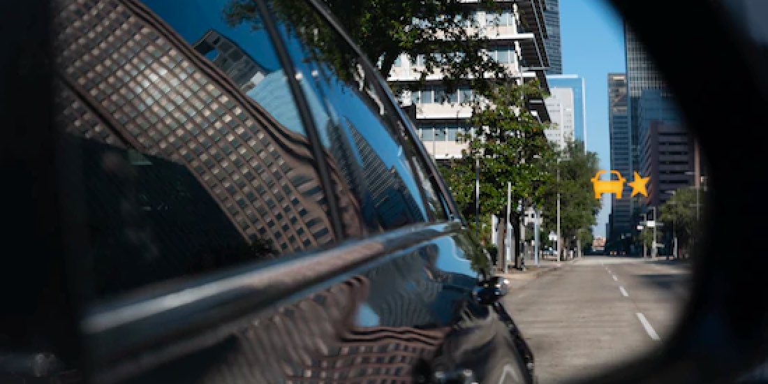 2020 Cadillac XT4's Lane Change Alert With Side Blind Zone Alert