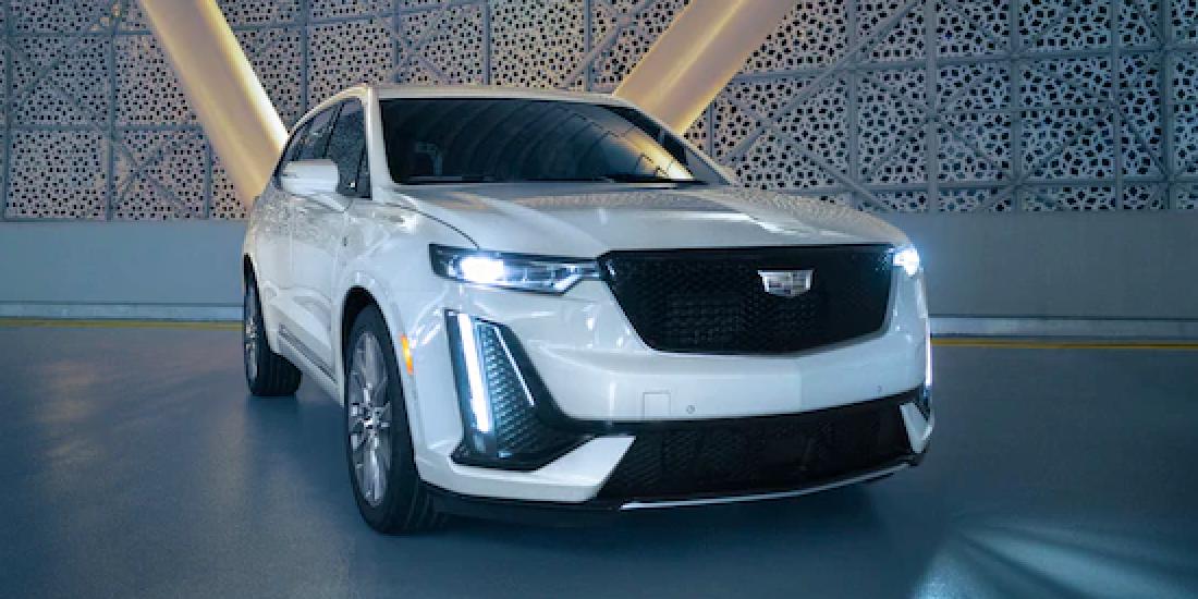 2021 Cadillac XT6 Front Angle View