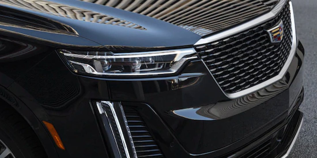 2021 Cadillac XT6 Angle View of Grille