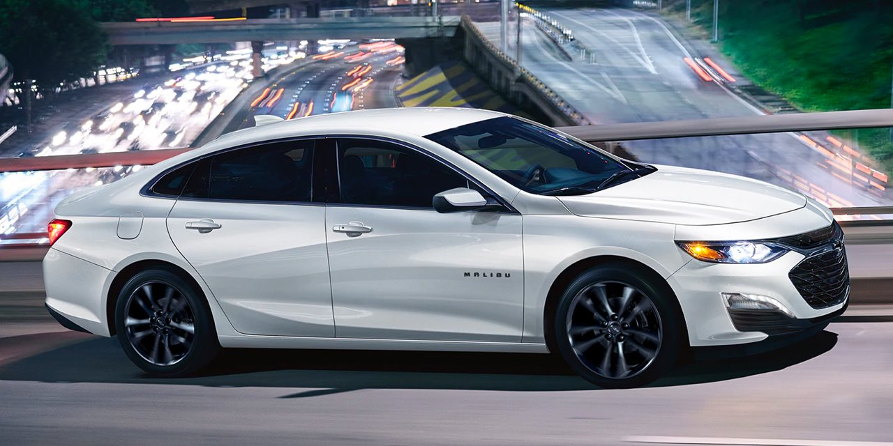 2021 White Chevrolet Malibu Side View