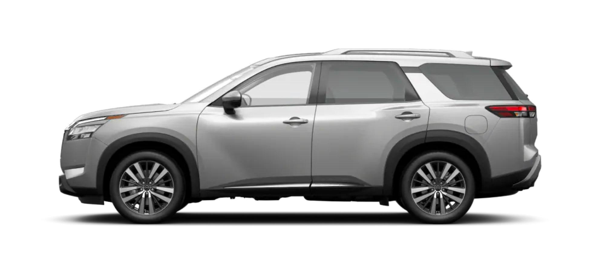 2022 Nissan Pathfinder in Brilliant Silver Metallic