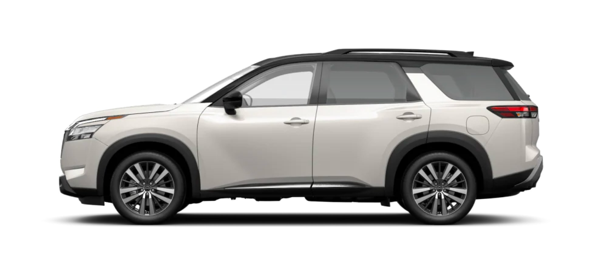 2022 Nissan Pathfinder in Two-Tone Pearl White TriCoat / Super Black