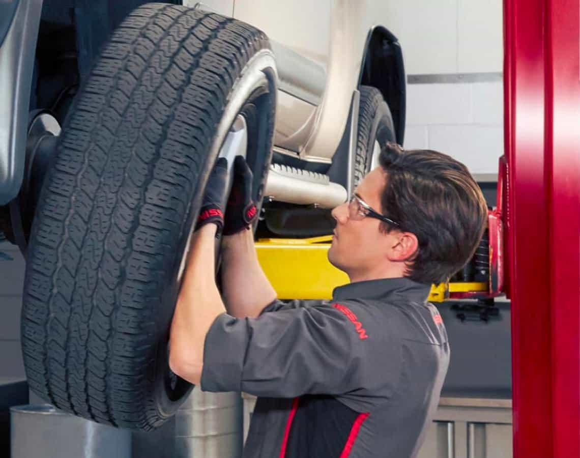 Mechanic rotating tires